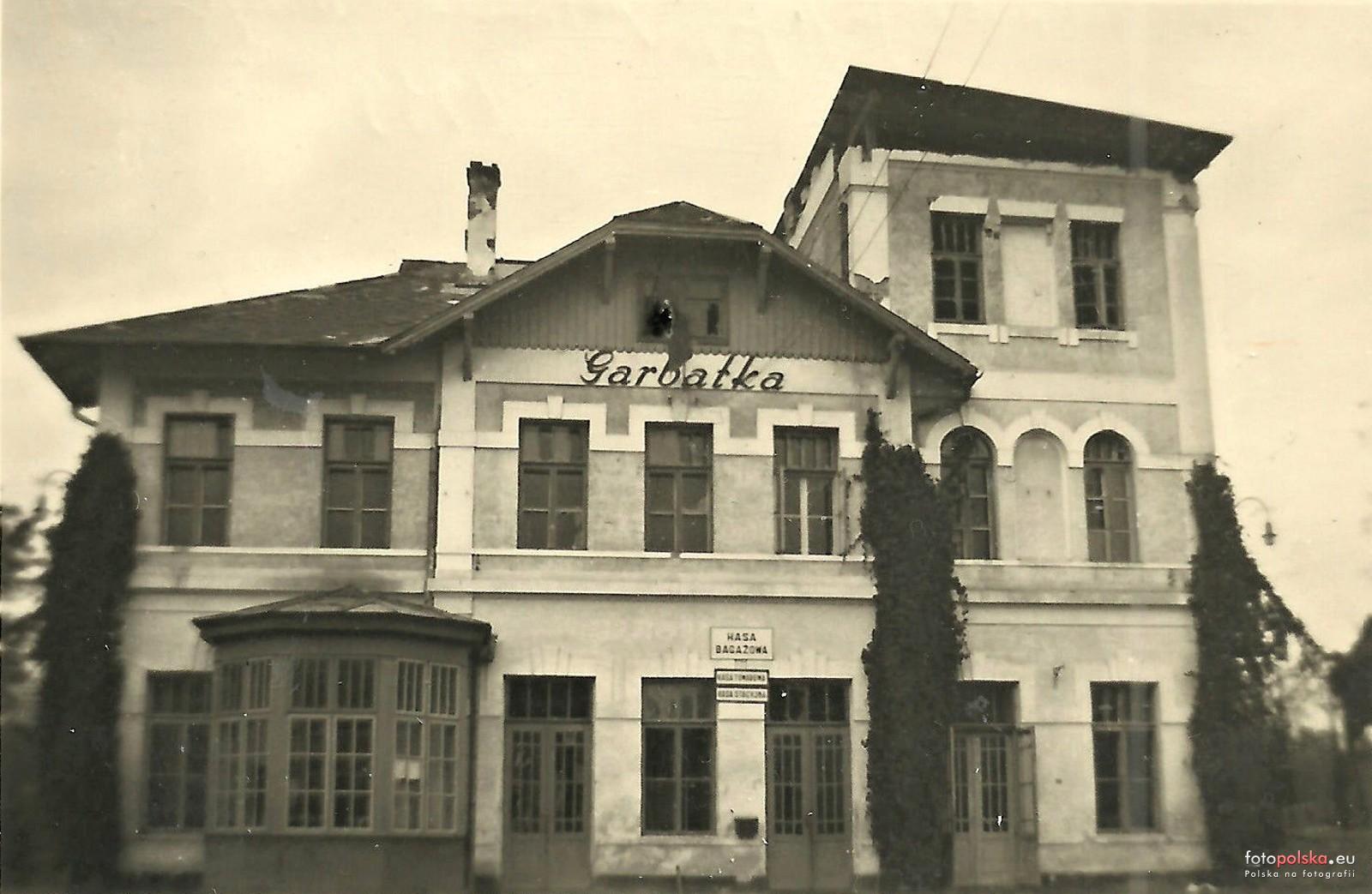 Znalezione obrazy dla zapytania: stacja PKP garbatka